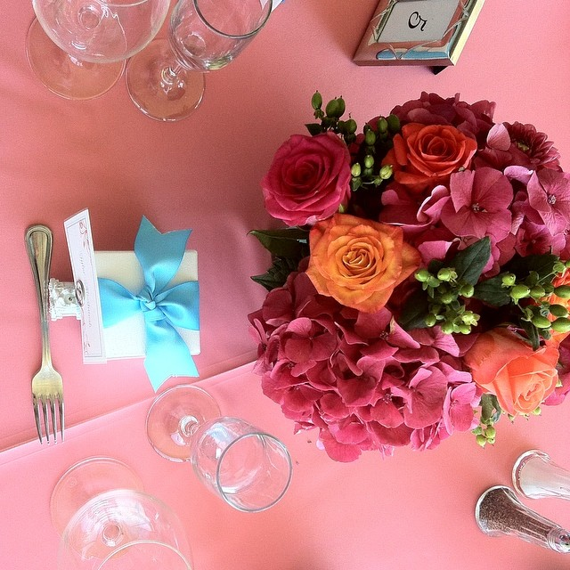 pink and orange centerpiece